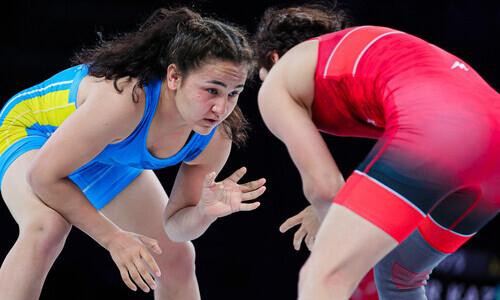 Две казахстанки потеряли шансы на медали чемпионата мира по женской борьбе