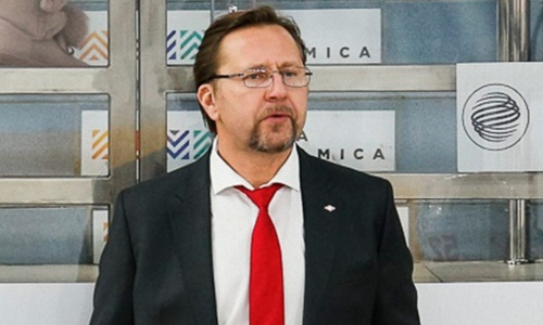 Хоккеист сборной Казахстана получил нового тренера в клубе КХЛ