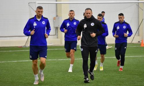 Джеко на месте. Сборная Боснии и Герцеговины провела первую тренировку в Казахстане. Фото