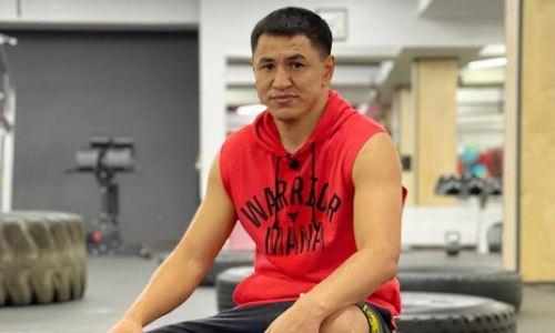 Казахстанский боксер опубликовал видео тренировки с Мэйвезером