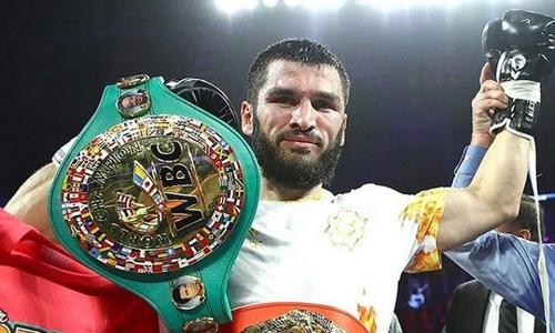 Артур Бетербиев назвал самого великого украинского боксера