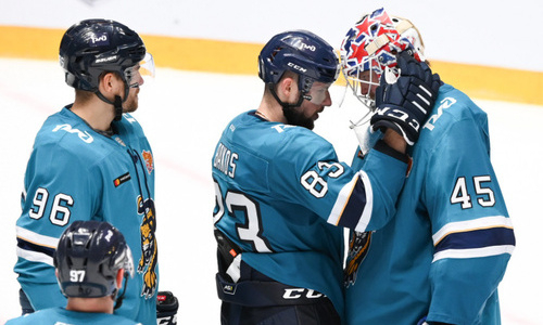 Бывший тренер «Барыса» помог клубу КХЛ победить после семи поражений подряд