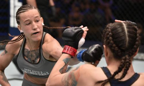 Первая казахстанка в UFC разбила «Королеву» в Лас-Вегасе
