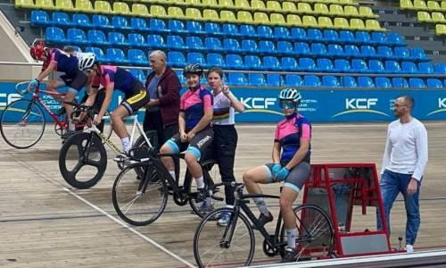 «Очень важен». Казахстанские велосипедисты-трековики готовятся к чемпионату мира