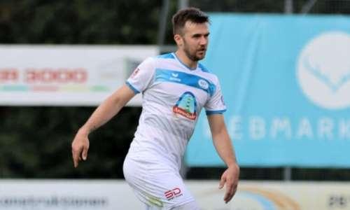 Экс-футболист сборной Казахстана провел полный матч в Германии. Его клуб выиграл впервые в сезоне