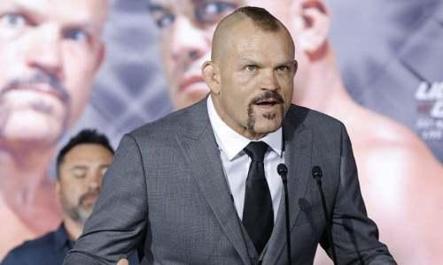 Чемпион из Зала славы UFC арестован в США. Известна причина