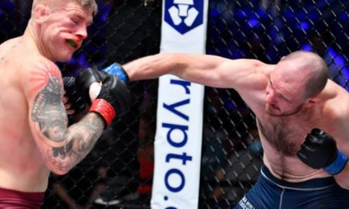 Чемпион мира из России глубоким нокаутом вызвал изумление у президента UFC. Видео