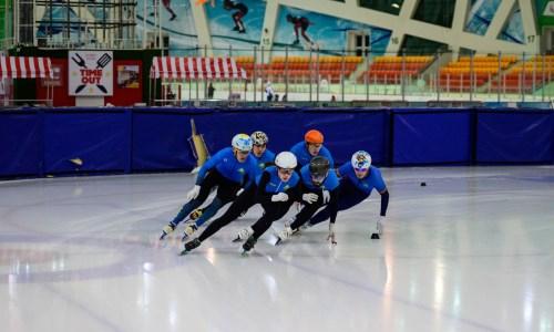 «Сейчас очень большая конкуренция». Казахстанский шорт-трекист рассказал о подготовке к ОИ-2022 и конкуренции в команде
