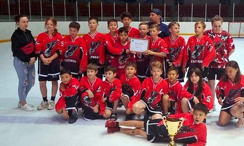Юные хоккеисты из Сатпаева остались без льда. Руководство арены и власти никак не решают проблему