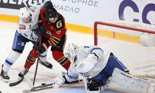 «Непонятно, как он снова играет в КХЛ». Эксперт определил худшего игрока «Барыса» в матче с «Авангардом»