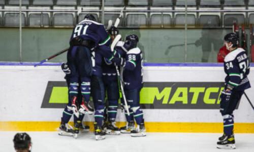 Гол и ассист казахстанских хоккеистов помогли российскому клубу крупно победить в матче ВХЛ
