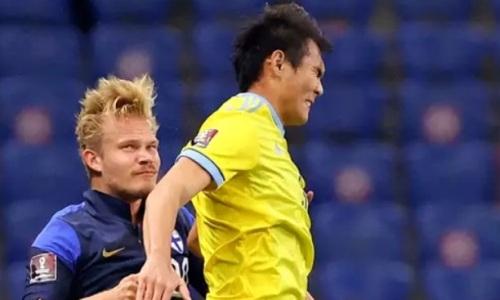 Футболист сборной Казахстана сломал финну нос и оставил «фингал» под глазом. Фотофакт